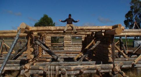 Проекты домов из бревна ручной рубки.