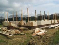Заказать и построить сруб дома из оцилиндрованного бревна